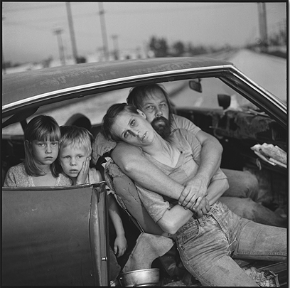 The Damm Family in Their Car, LA, 1987 © Mary Ellen Mark