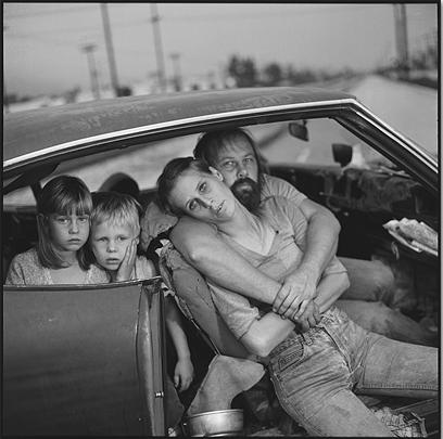 The Damm Family in Their Car, LA, 1987 © Mary Ellen Mark