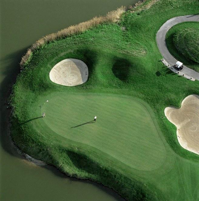 Golf_on_the_Landfill_Harborside_International_Golf_Center_near_Lake_Calumet_on_Chicago_s_South_Side_May_13__2003
